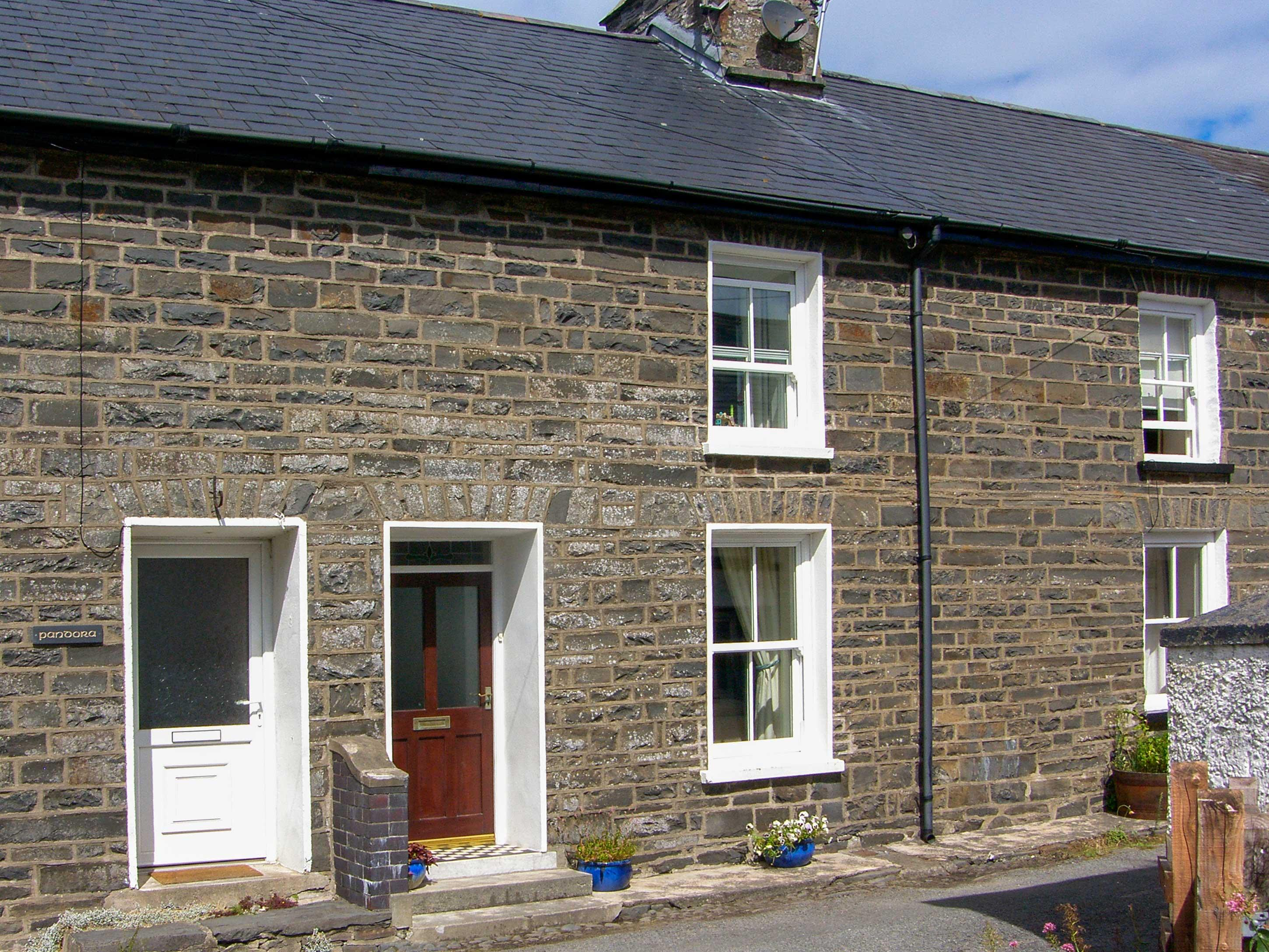 Holiday Cottage Reviews for Church View Cottage - Cottage Holiday in Lowestoft, Suffolk