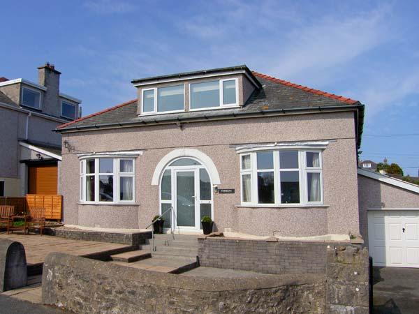 Holiday Cottage Reviews for Penmaen - Cottage Holiday in Benllech, Isle of Anglesey