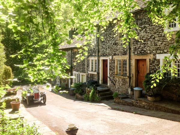 73 Ravensdale Cottages