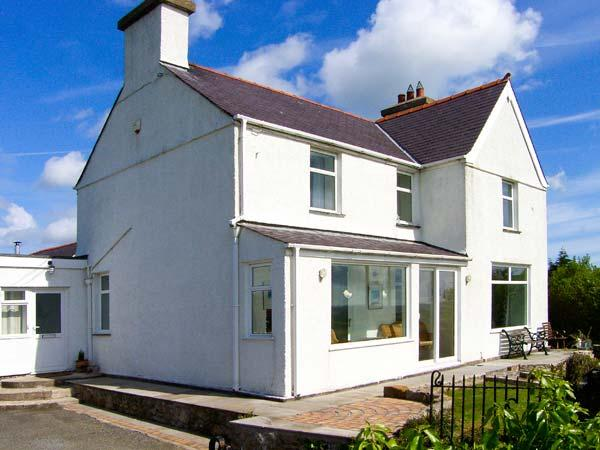 Holiday Cottage Reviews for Cartrefle - Holiday Cottage in Benllech, Isle of Anglesey