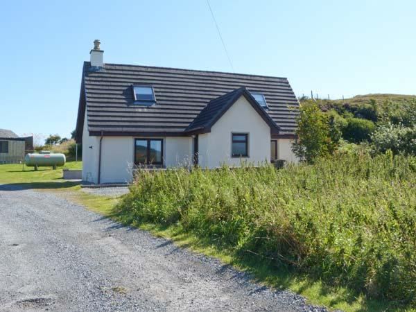 Holiday Cottage Reviews for Sealladh an Locha Cottage - Self Catering Property in Portree, Highlands