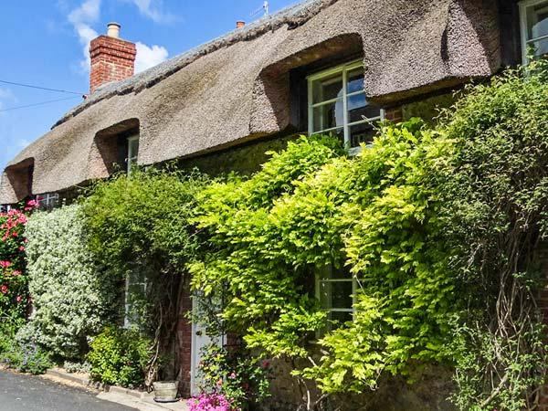 Holiday Cottage Reviews for Little Thatch - Self Catering in Cerne Abbas, Dorset