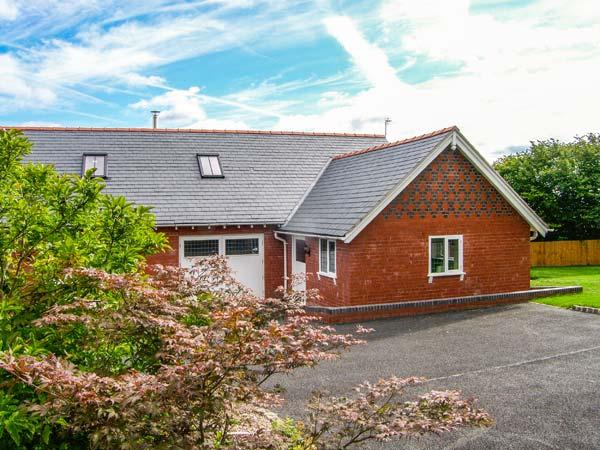 Holiday Cottage Reviews for Douglas Cottage - Self Catering Property in Wrexham Town, Wrexham