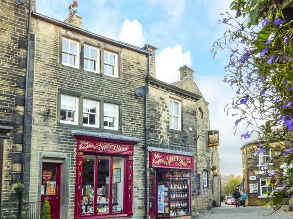 Holiday Cottage Reviews for Clock View - Cottage Holiday in Haworth, West Yorkshire