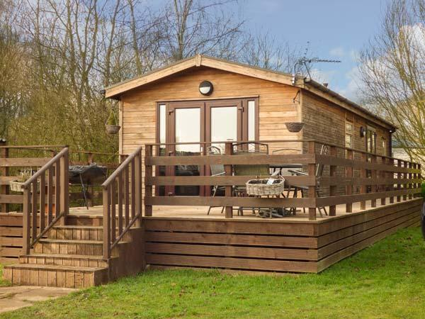 Holiday Cottage Reviews for Cedar Lodge - Holiday Cottage in Tattershall Lakes Country Park, Lincolnshire