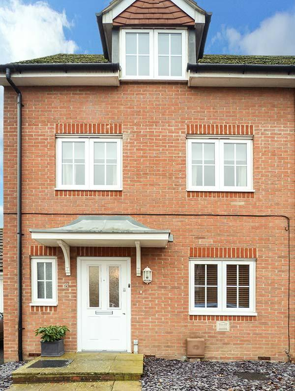 Holiday Cottage Reviews for 8 Baxendale Road - Holiday Cottage in Chichester, West Sussex