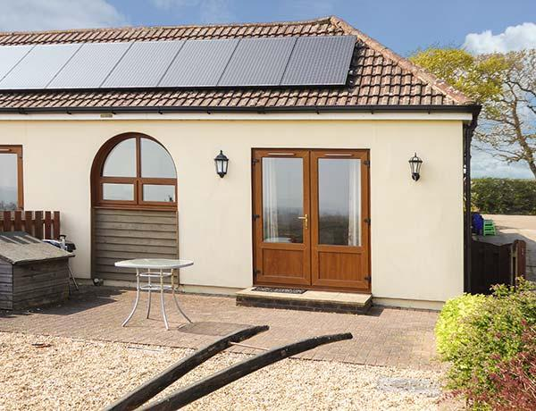 Holiday Cottage Reviews for 2 The Stables - Self Catering in Ryde, Isle of Wight