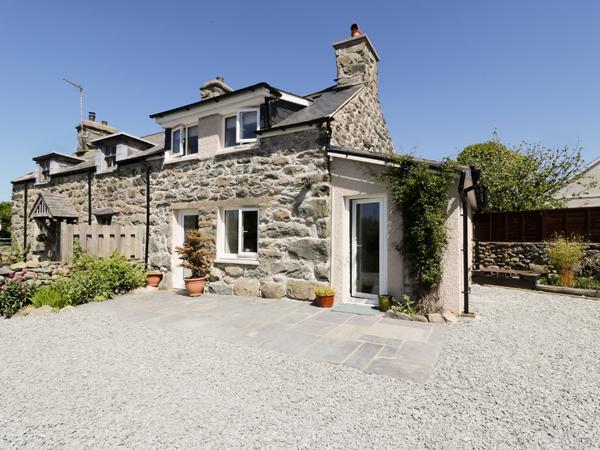 2 Borthwen Cottages