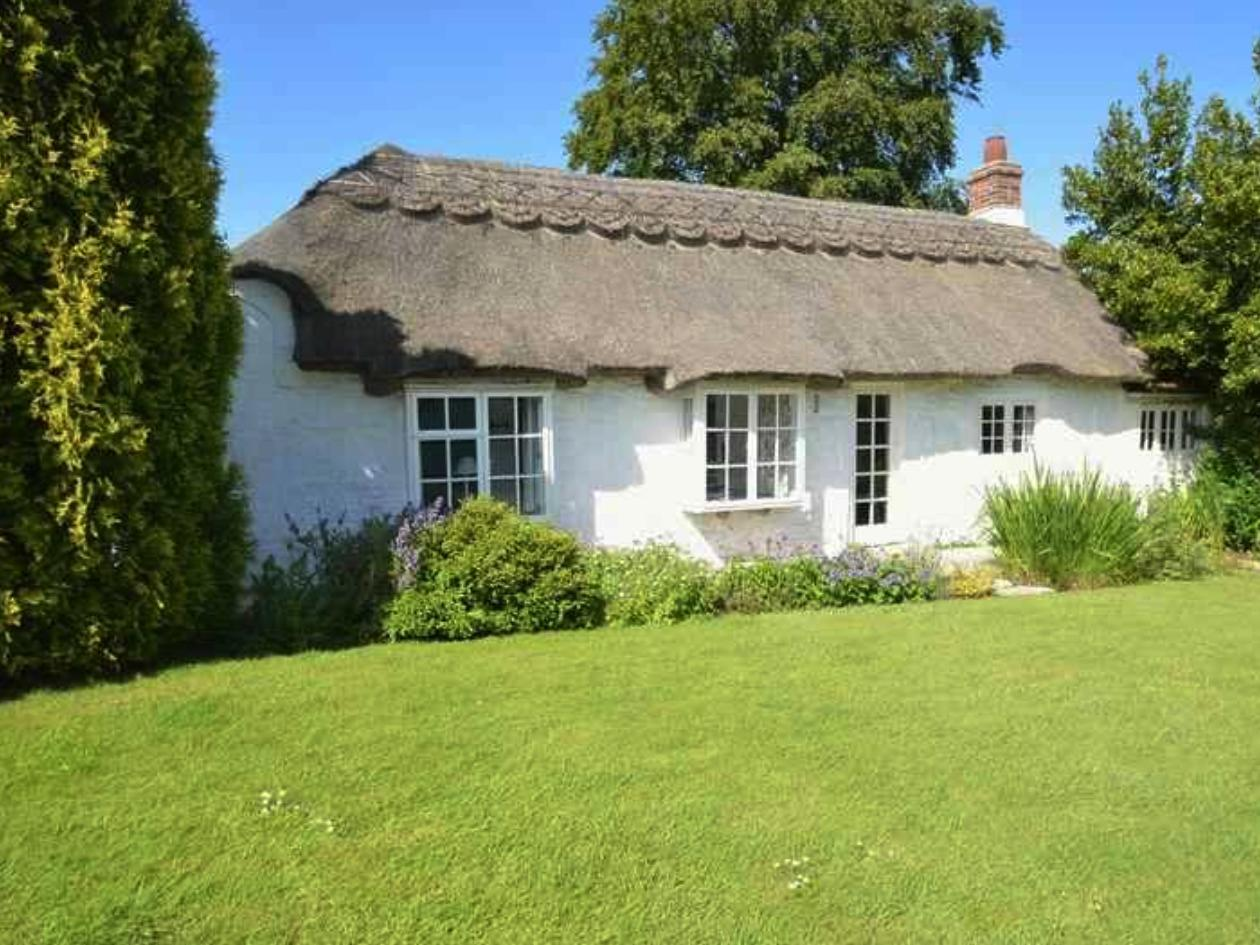 Holiday Cottage Reviews for The Thatches - Holiday Cottage in Norton Near Freshwater, Isle of Wight