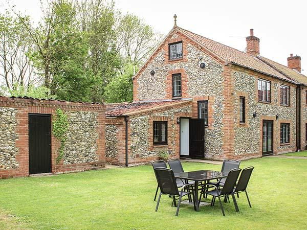 Holiday Cottage Reviews for Little Farm - Holiday Cottage in Dereham, Norfolk
