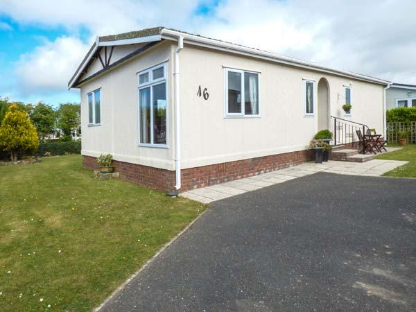 Holiday Cottage Reviews for The Lodge - Holiday Cottage in St Merryn, Cornwall inc Scilly