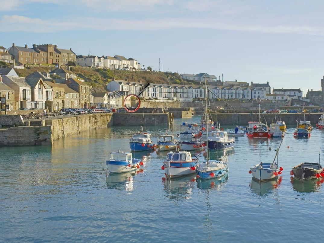 Holiday Cottage Reviews for Sea Star - Holiday Cottage in Porthleven, Cornwall inc Scilly