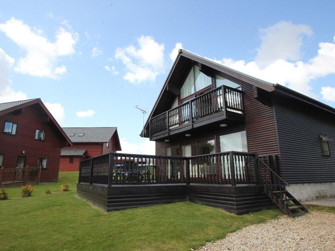 Holiday Cottage Reviews for Willow Lodge - Holiday Cottage in Newquay, Cornwall inc Scilly