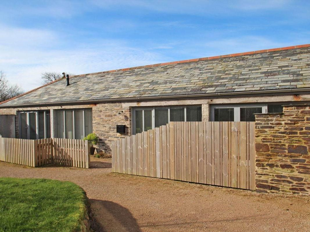 Holiday Cottage Reviews for The Old Dairy - Holiday Cottage in Padstow, Cornwall inc Scilly