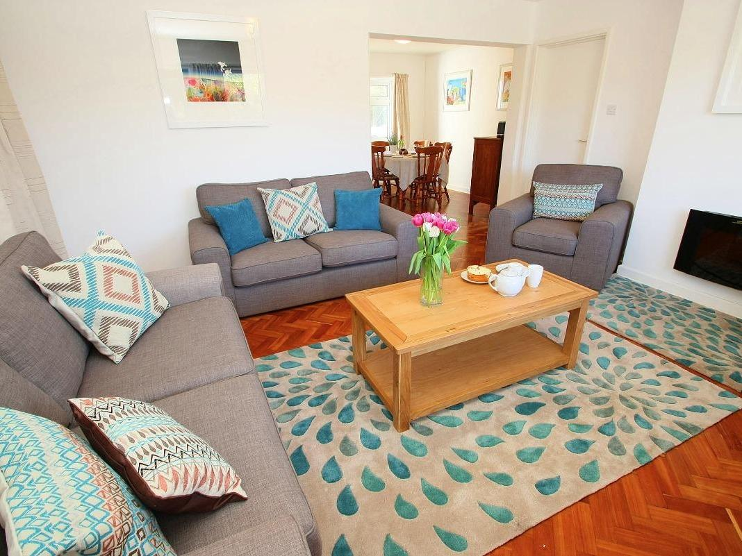 Holiday Cottage Reviews for Garden Apartment - Holiday Cottage in Porthcurno, Cornwall inc Scilly