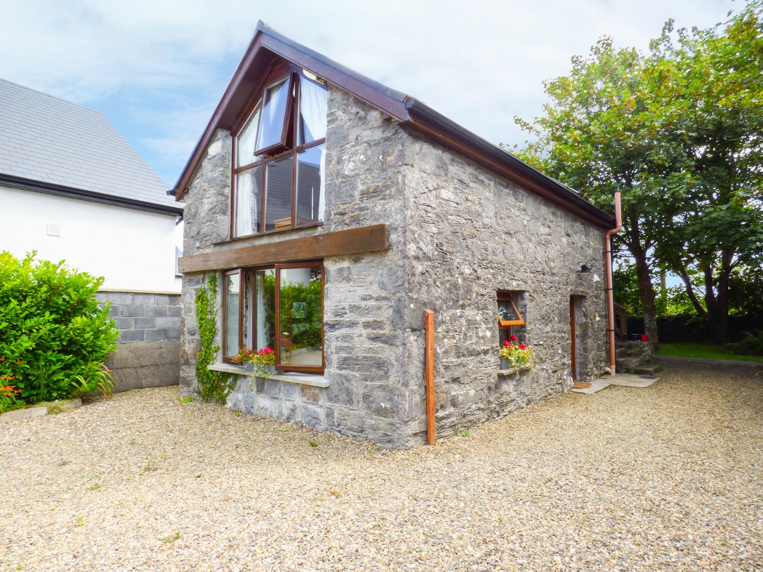 Holiday Cottage Reviews for The Gallery - Cottage Holiday in Ballinderreen, Galway