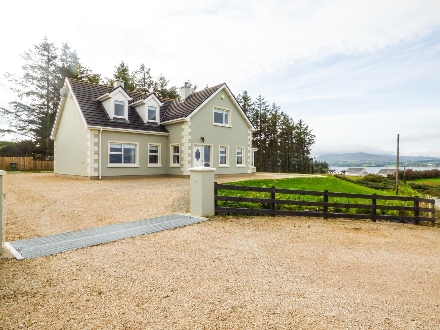 Holiday Cottage Reviews for Mulroy Lodge - Holiday Cottage in Portsalon, Donegal