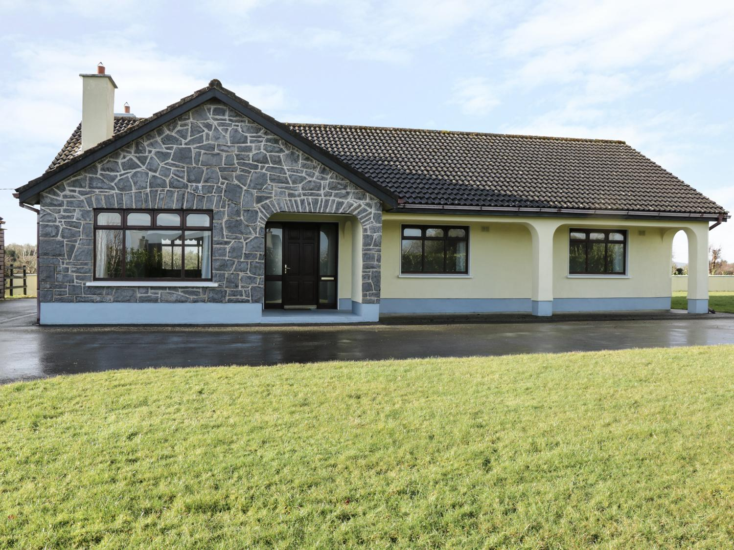 Holiday Cottage Reviews for Castle View - Holiday Cottage in Oughterard, Galway
