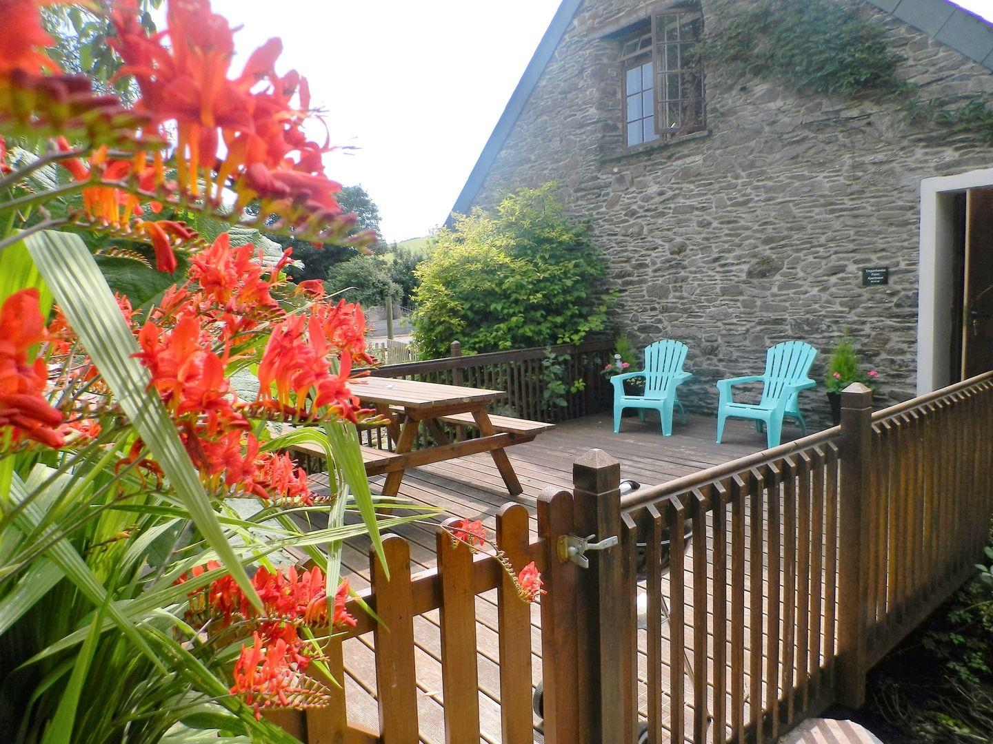 Holiday Cottage Reviews for Tregonhawke Farm Apartment - Holiday Cottage in Millbrook, Cornwall inc Scilly