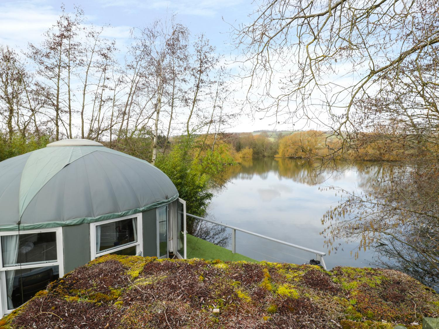 Holiday Cottage Reviews for Lakeview Yurt - Holiday Cottage in Beckford, Worcestershire
