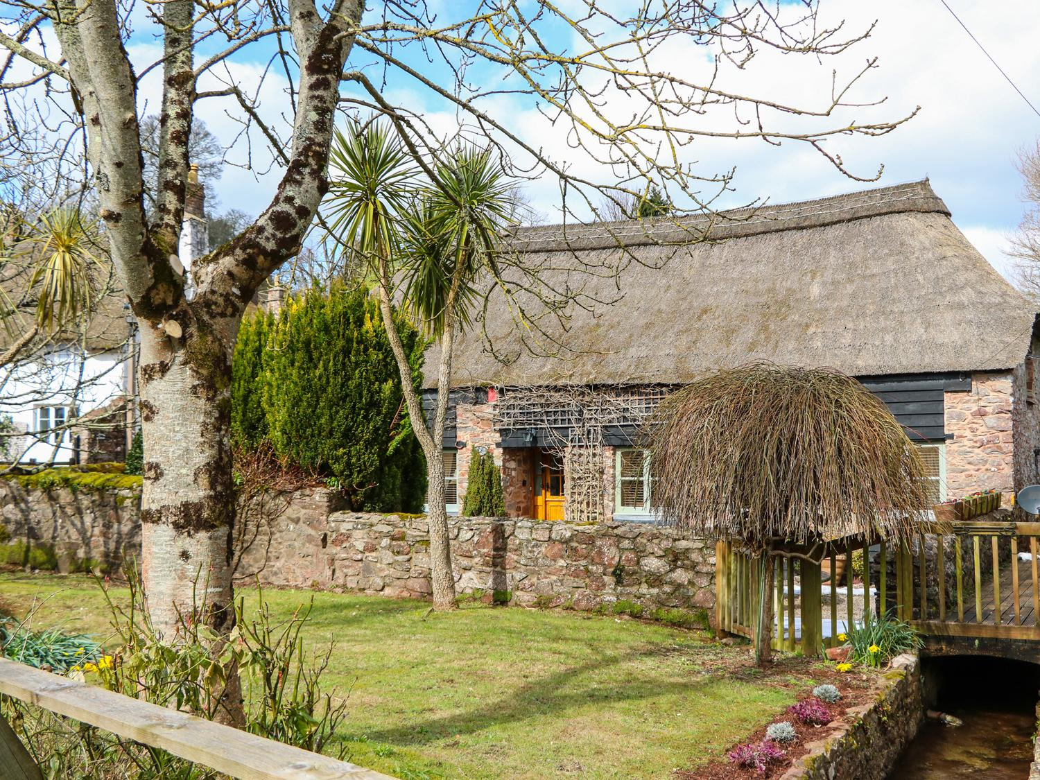 Holiday Cottage Reviews for Meadow Thatch - Holiday Cottage in Torquay, Devon