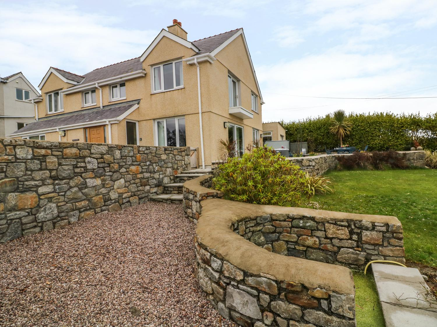 Holiday Cottage Reviews for Bryn y Don - Holiday Cottage in Benllech, Isle of Anglesey
