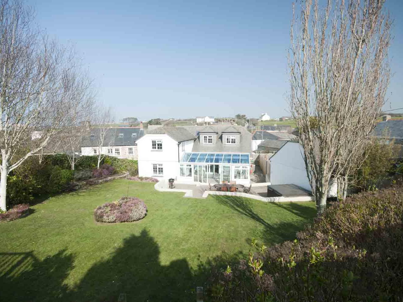 Holiday Cottage Reviews for The Orchard - Holiday Cottage in Crantock, Cornwall inc Scilly