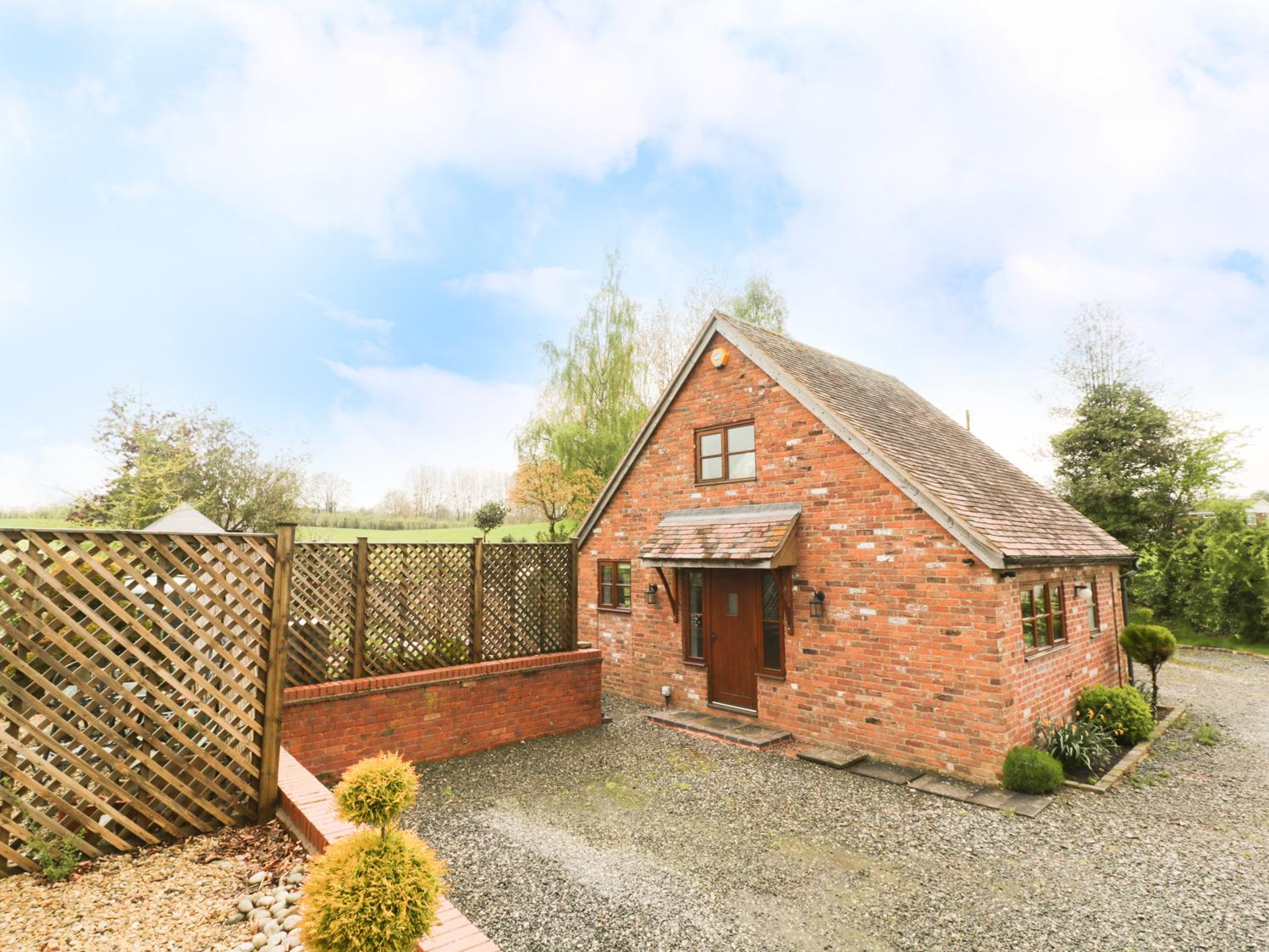 Holiday Cottage Reviews for Woodstock Lodge - Holiday Cottage in Worcester, Worcestershire