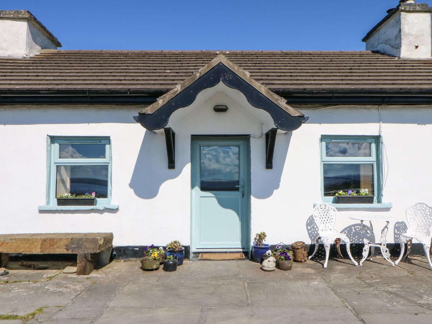 Holiday Cottage Reviews for Tigin - Holiday Cottage in Liscannor, Clare