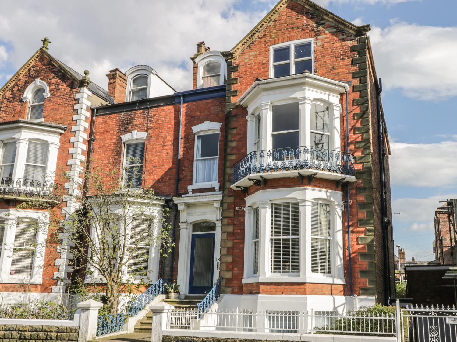 Holiday Cottage Reviews for Esplanade Gardens, Apartment 1 - Holiday Cottage in Scarborough, North Yorkshire