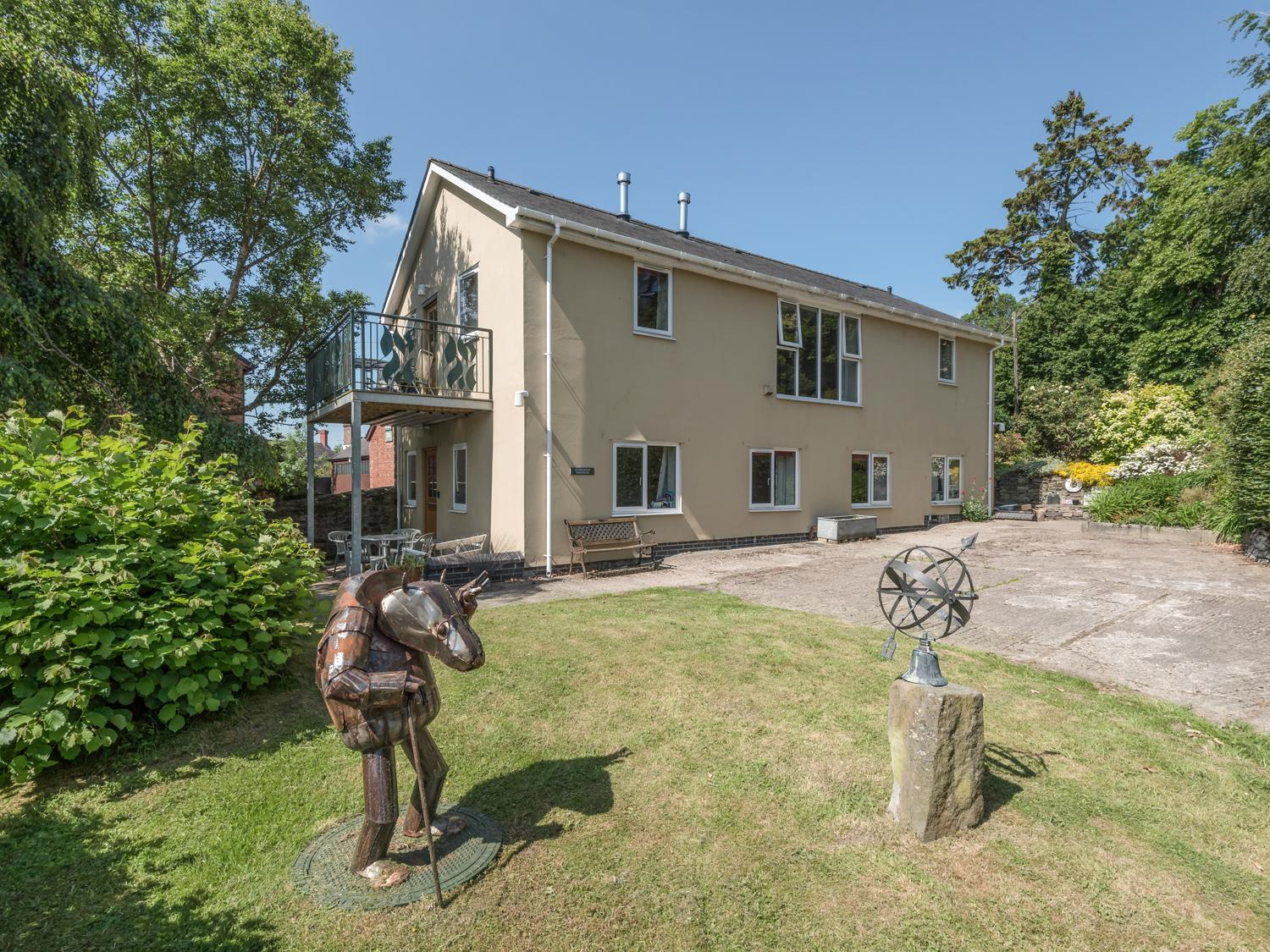 Holiday Cottage Reviews for The School Bakehouse Apartment - Cottage Holiday in Bishops Castle, Shropshire