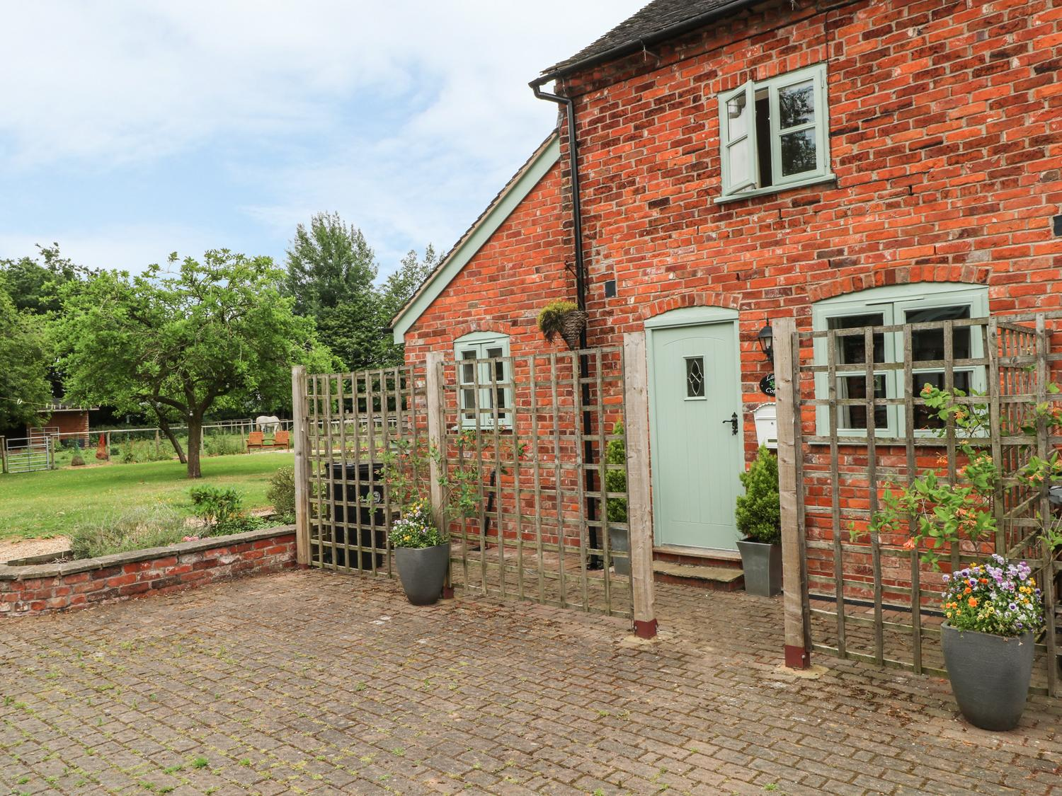 Holiday Cottage Reviews for Laurel Cottage - Holiday Cottage in Northwich, Cheshire