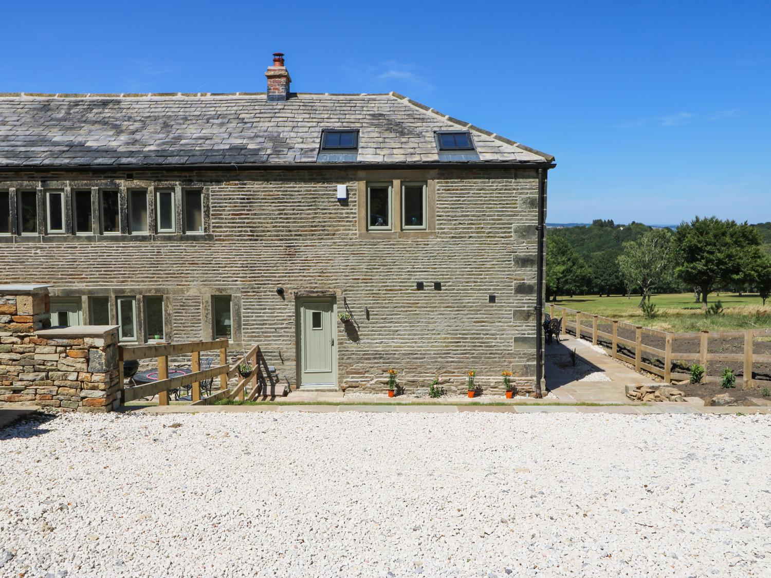 Holiday Cottage Reviews for Oak Barn - Holiday Cottage in Meltham, West Yorkshire