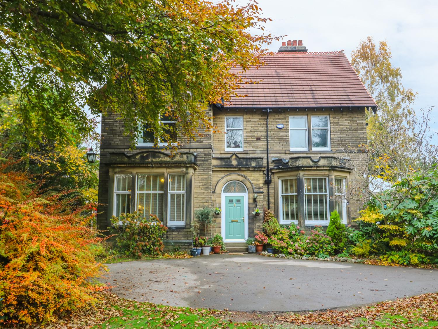 Holiday Cottage Reviews for Lyndhurst - Holiday Cottage in Brighouse, West Yorkshire
