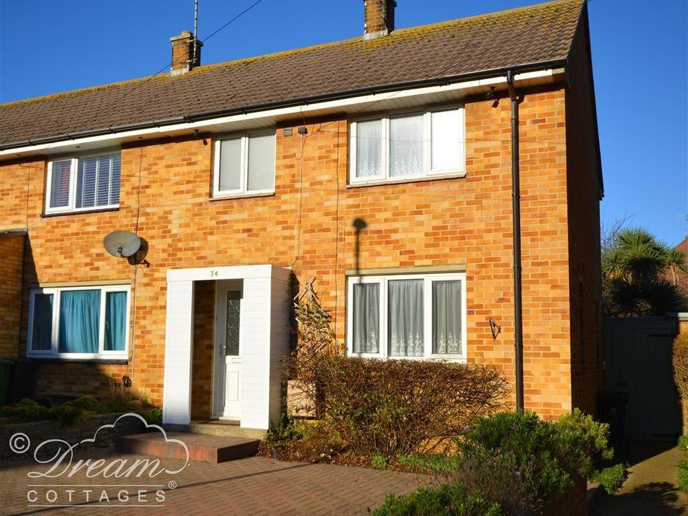 Holiday Cottage Reviews for Cherry Blossom House - Holiday Cottage in Weymouth, Dorset