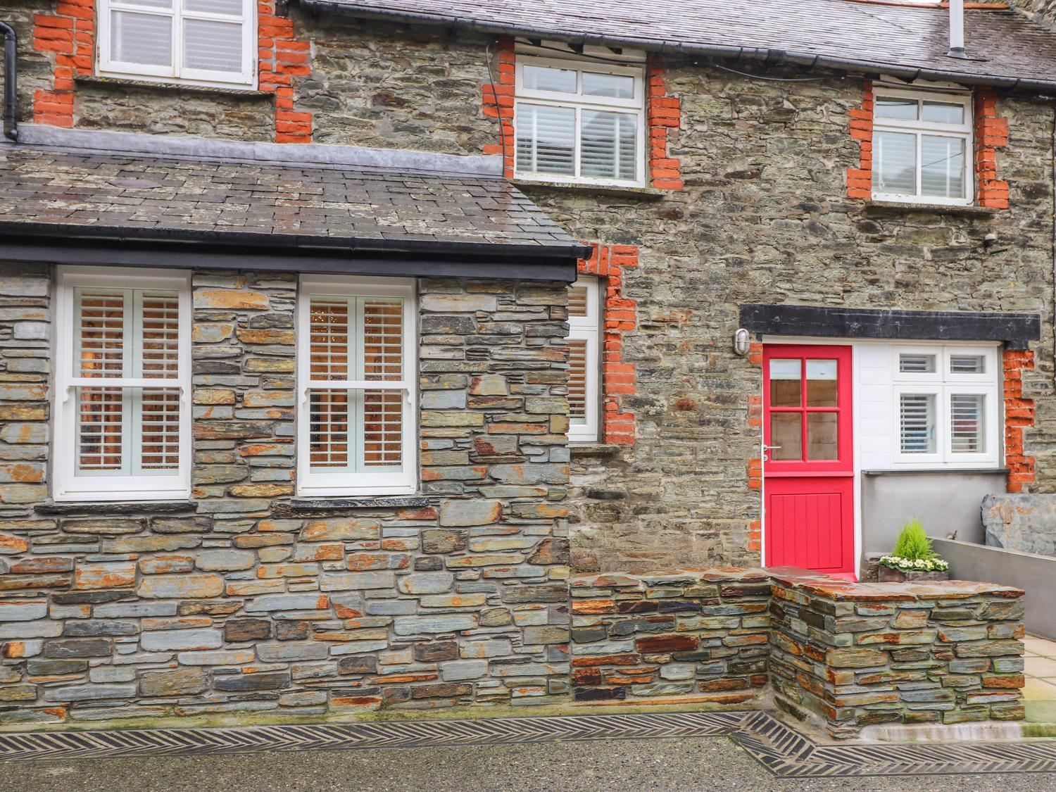 Holiday Cottage Reviews for Beach Hut - Holiday Cottage in Trebarwith Strand, Cornwall inc Scilly