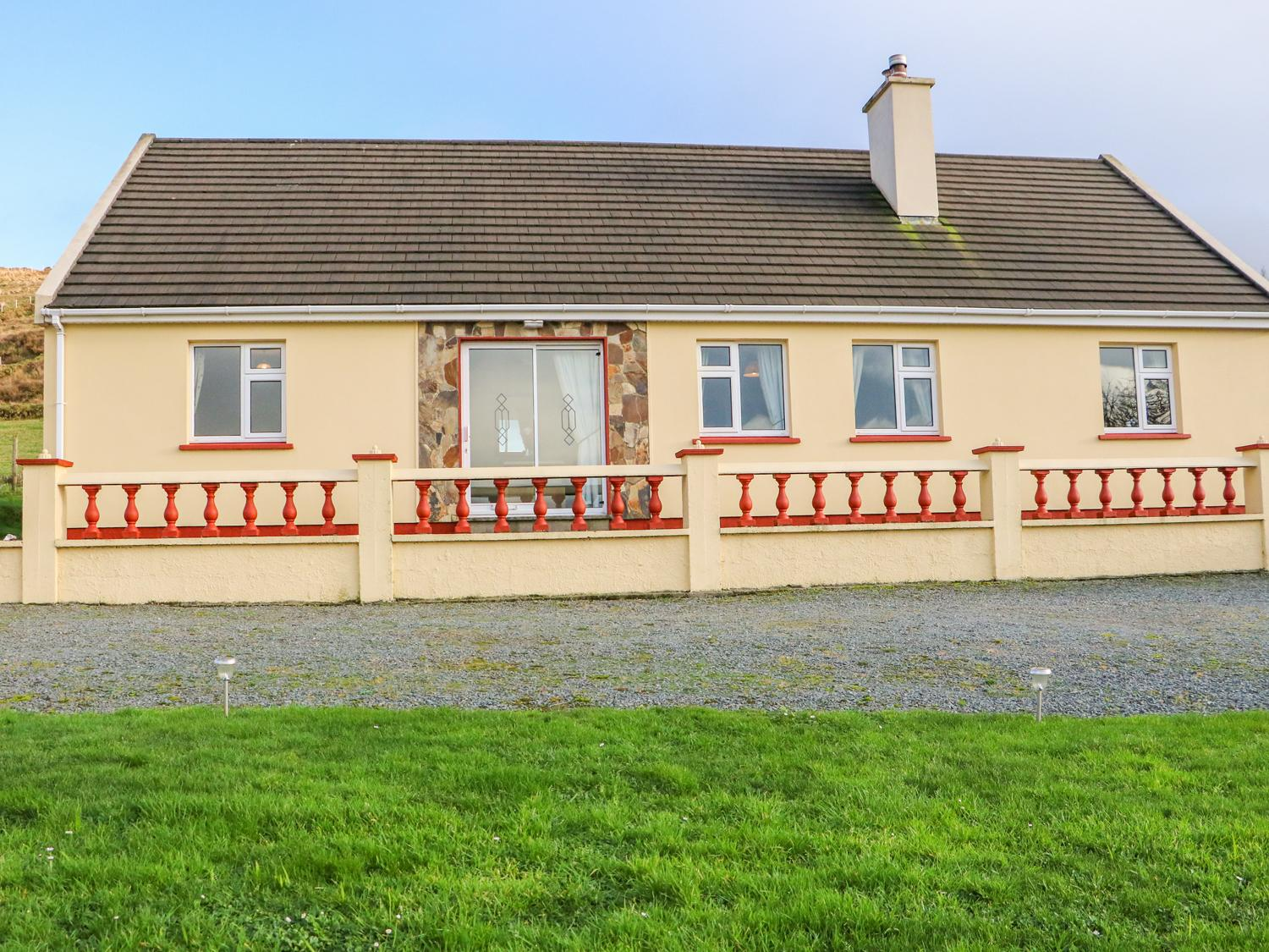 Holiday Cottage Reviews for Upper Haven - Holiday Cottage in Eyeries, Cork