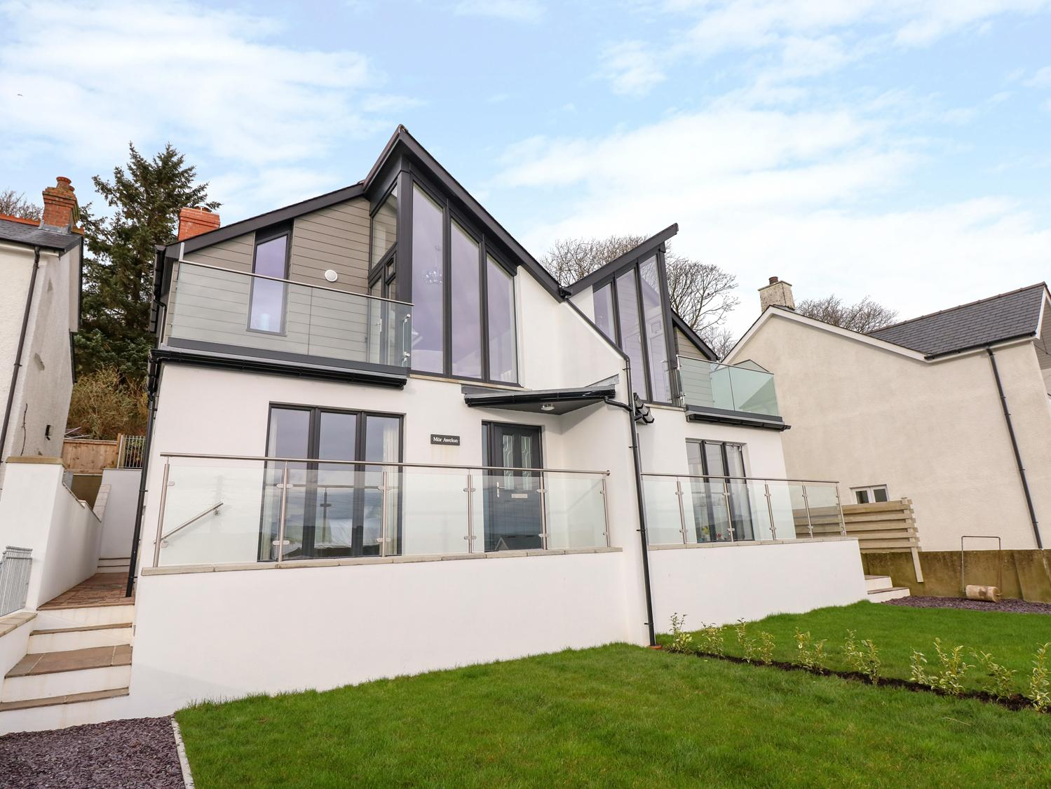 Holiday Cottage Reviews for Mor Awelon - Holiday Cottage in Goodwick, Pembrokeshire