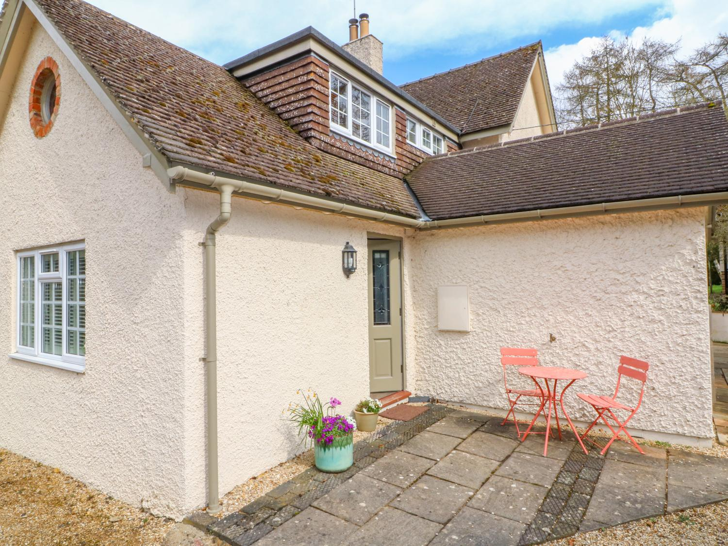 Holiday Cottage Reviews for Lark's Wing - Holiday Cottage in Bourton-on-the-water, Gloucestershire