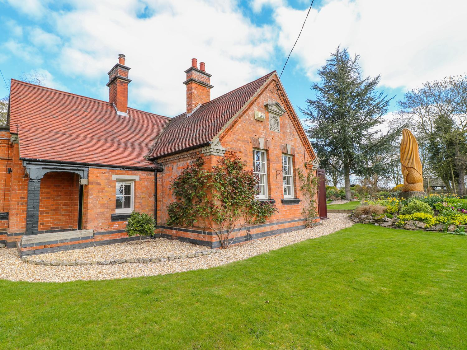 Holiday Cottage Reviews for South Lodge - Holiday Cottage in Ashbourne, Derbyshire