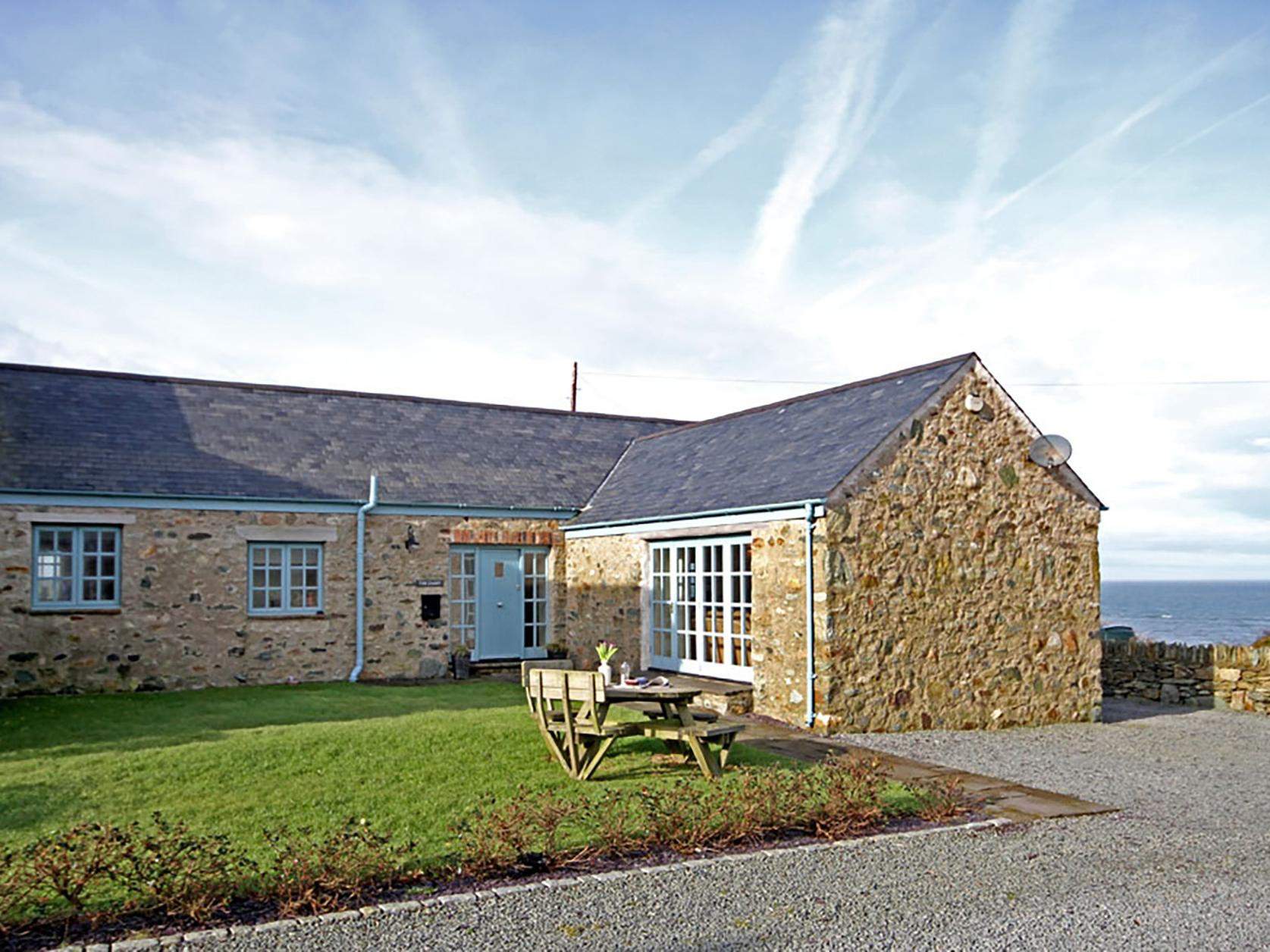 Holiday Cottage Reviews for Dairy - Borthwen - Holiday Cottage in Church Bay, Isle Of Anglesey