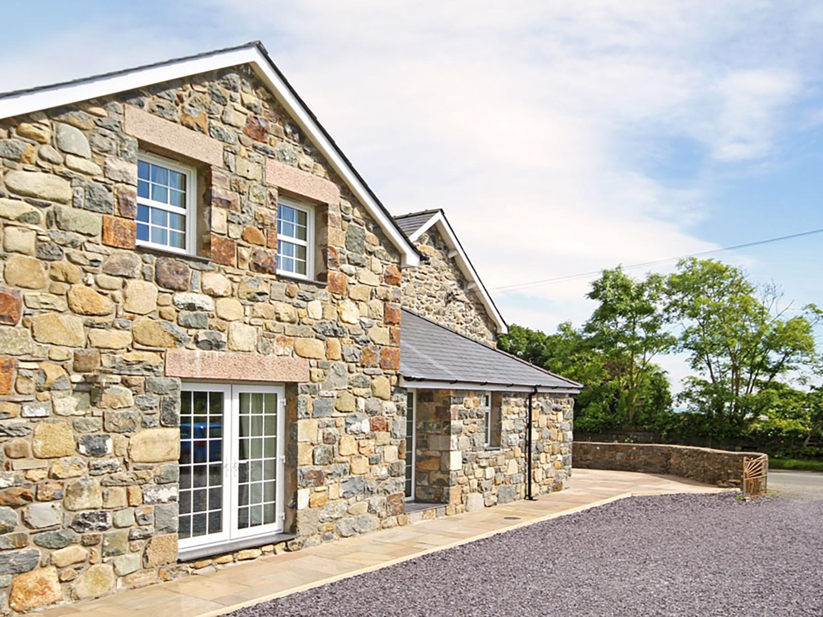 Holiday Cottage Reviews for Cennin - Holiday Cottage in Criccieth, Gwynedd