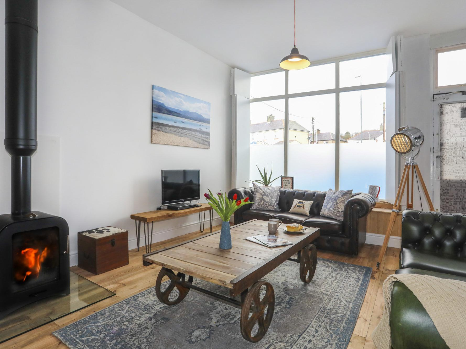 Holiday Cottage Reviews for Gwalia Stores - Holiday Cottage in Beaumaris, Isle Of Anglesey