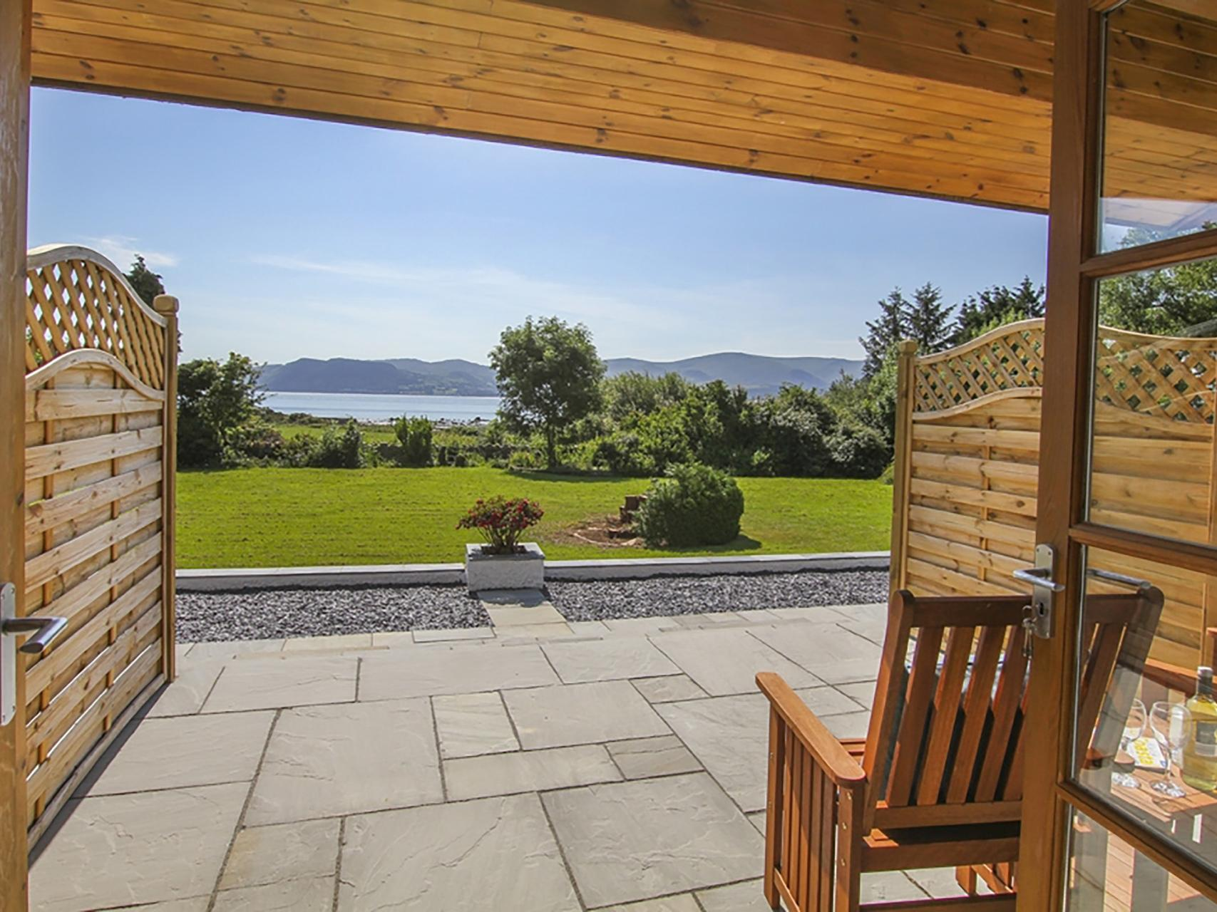 Holiday Cottage Reviews for Menai Gardens - Holiday Cottage in Penmon, Isle Of Anglesey