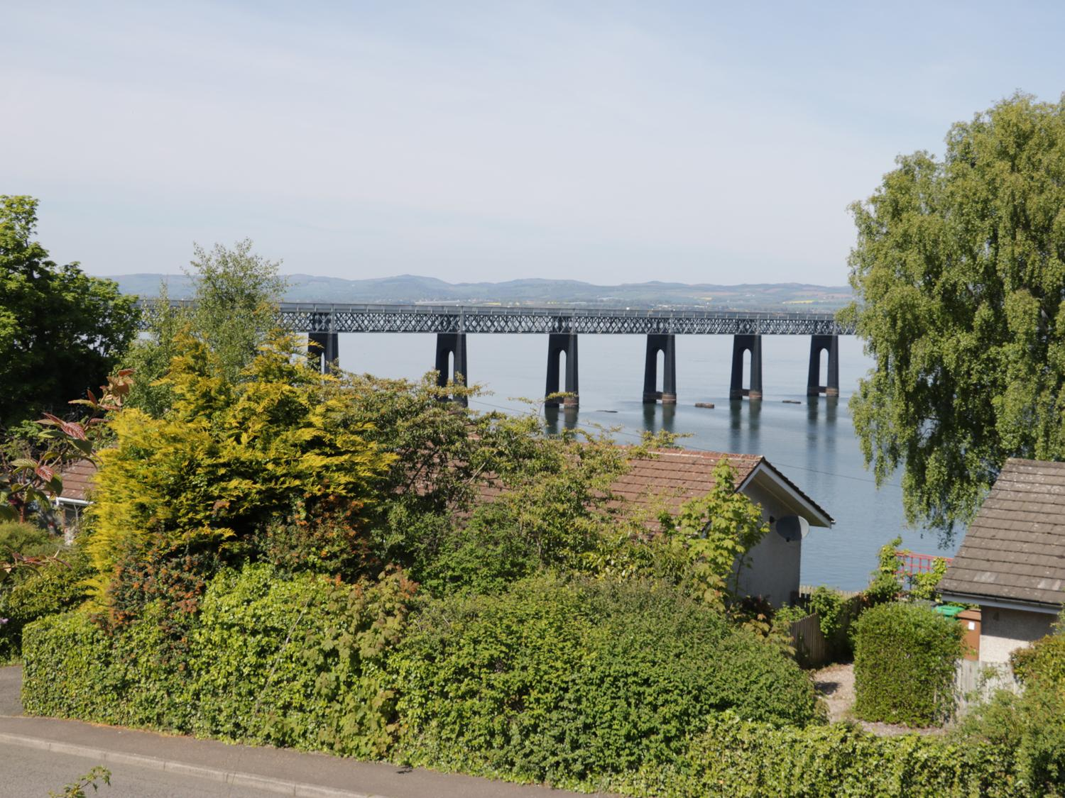 Holiday Cottage Reviews for Bay View Cottage - Holiday Cottage in Wormit, Fife
