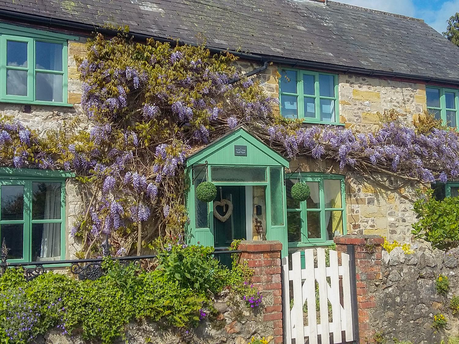 2 Wisteria Cottages