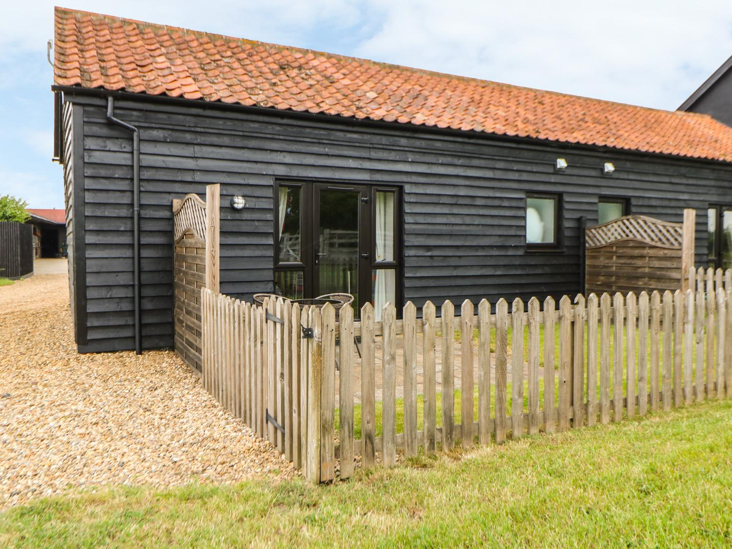 Holiday Cottage Reviews for Snowy Owl Barn - Self Catering Property in Dereham, Norfolk