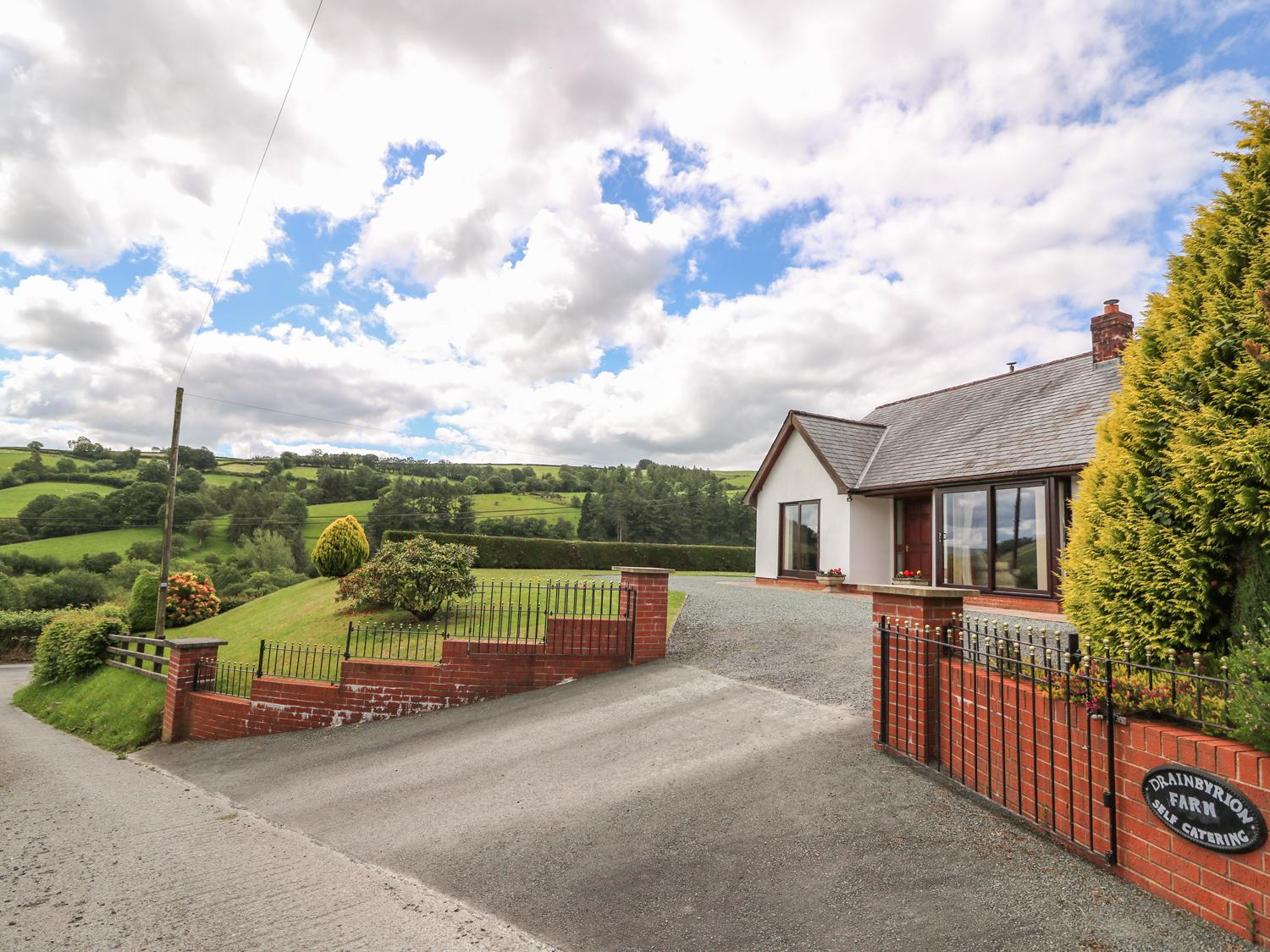 Holiday Cottage Reviews for Drainbyrion Farm House - Cottage Holiday in Llanidloes, Powys