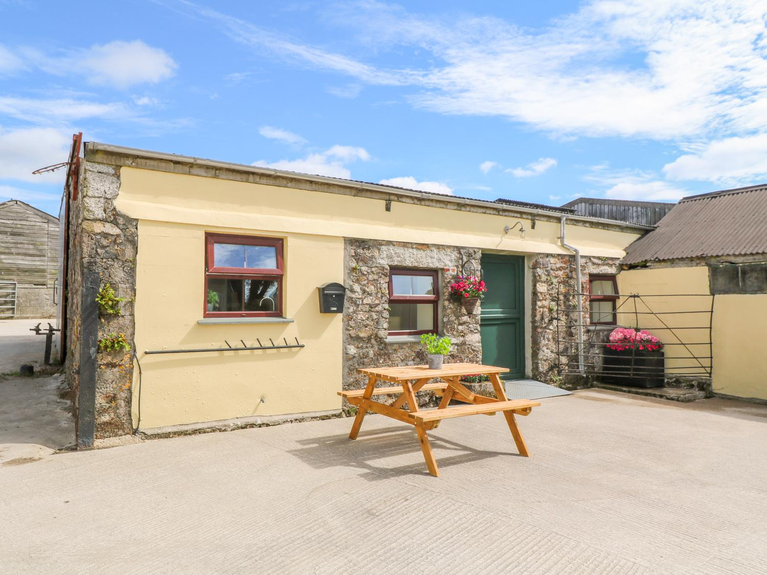 Holiday Cottage Reviews for The Old Cows House - Holiday Cottage in Helston, Cornwall inc Scilly