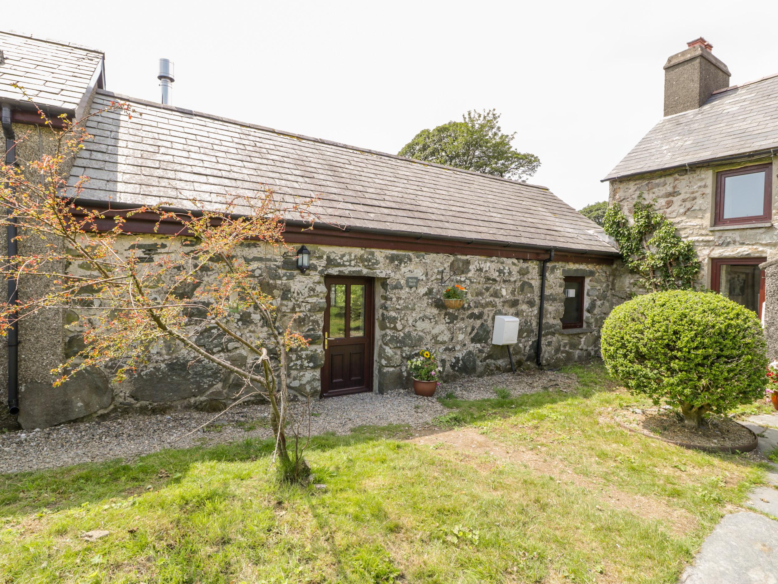 Holiday Cottage Reviews for Melin Bach - Holiday Cottage in Porthmadog, Gwynedd